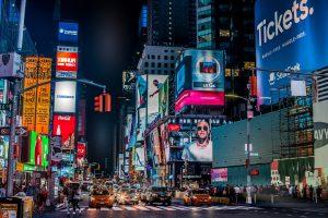 Ecrans publicitaires à Time Square